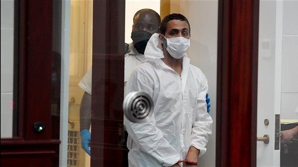 طالب مصري يهجم على حاخام الجالية اليهودية